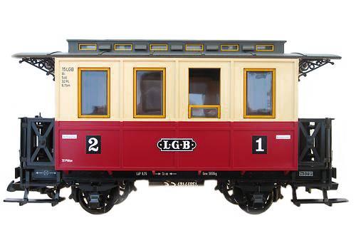 Spur G Personenwagen, rot-beige, Innenbänke, Gartenbahn, LGB Kupplungen