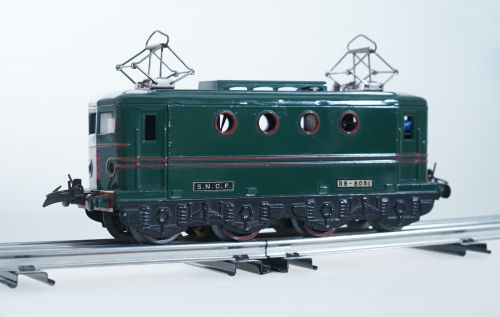 hornby e lokomotive spur 0 automatische kupplung. Black Bedroom Furniture Sets. Home Design Ideas