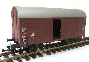 Piko Gedeckter Güterwagen, braun, Spur G, auch passend zu LGB