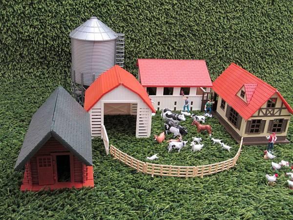 NewRay Bauernhof 4 Gebäude, Bausatzt, Spur G und Spur 1 Gartenbahn