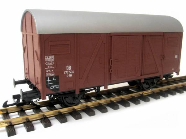 Piko gedeckter Güterwagen braun